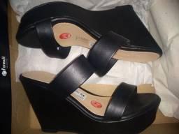 Venda de sandália Plata forma Nova!!!