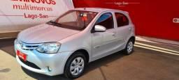 Toyota Etios X 4P