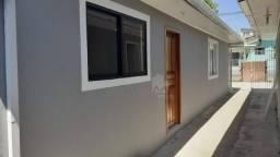 Casa com 2 quartos no Bairro Xaxim, R$900,00+Taxas