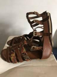 Vendo sandália gladiadora - marca: eggo?s - tam: 38
