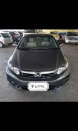 Honda Civic 1.8 / Parcelado