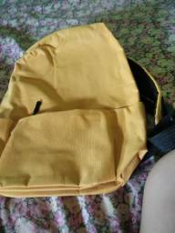 mini mochila nova amarela