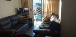 Lindo Apartamento Condomínio Parque Residencial Monte Castelo com Sacada