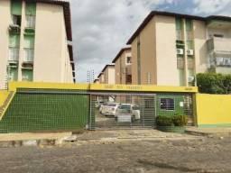 Alugo Apartamento 78m², 3 quartos-Ilhotas R$ 650,00, Cond. Rio Parnaíba