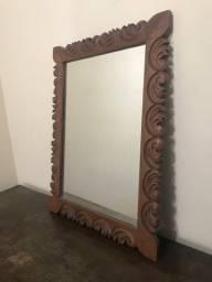 Título do anúncio: Espelho em moldura de madeira