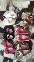Vendo lindas roupas e calçados  de menina