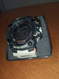Relógio SMAEL militar, aprova d'agua e anti impacto.