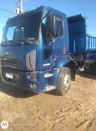 Ford cargo 2422 2012