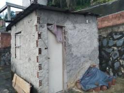 Vende-se casa com terreno no R3 pantanal
