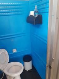 Título do anúncio: Vende-se Banheiro químico marca ARMAL com vaso sanitário com caixa acoplada e pia.