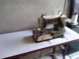 Máquinas de costura em ótimo  estado.