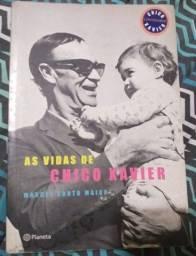 Título do anúncio: Vendo Livro As Vidas de Chico Xavier Usado