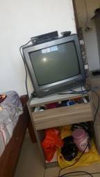 Tv tubo e conversor em ótimo estado