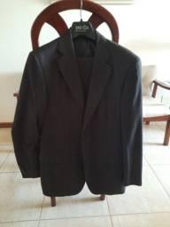 Terno preto + 04 gravatas. Paletó n.50 e calça n.44