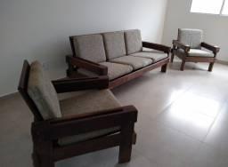 Título do anúncio: Conjunto sofá Rustico antigo madeira imbuia.