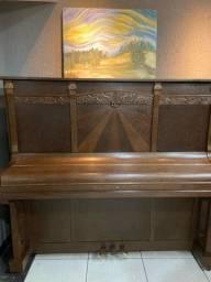 Pianos Essenfelder modelo 142C Luxo