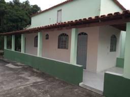 Vendo CASA GRANDE  com duas casas pequenas anexo
