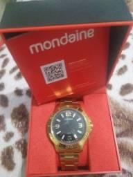 Relógio masculino da marca mondaine.