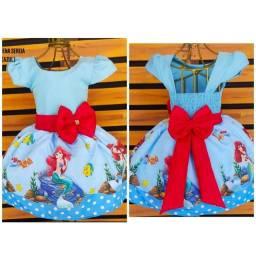 Título do anúncio: Vestido Temático Pequena Sereia Tamanho 1.