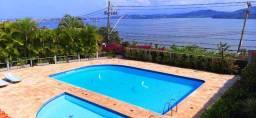 Casa duplex com linda vista no Morro da Cruz