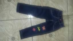 Calça e macaquinho jeans
