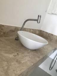 Cuba com torneira para lavabo