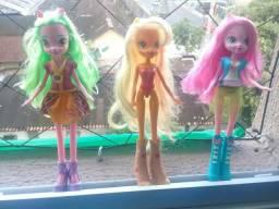 Três bonecas p 60 reais