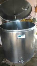 Tanque para armazenamento de leite