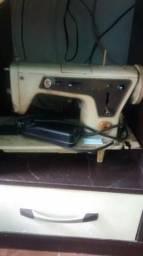 Maquina de costura singer funcionando perfeitamente