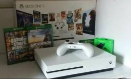 Vendo Xbox One S 1 TB