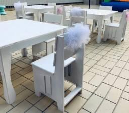 Mesa Infantil com 4 cadeirinhas