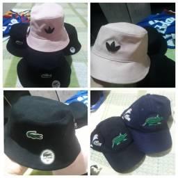 Chapéu e boné