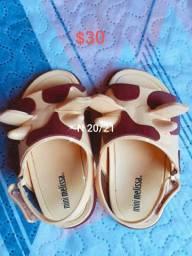 Vendo sapatos infantis fenininos