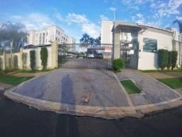 Apartamento com 2 quartos semi mobiliado à Venda! por R$165.000,00