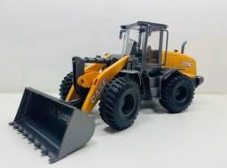 Trator miniatura case 721E