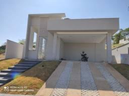 Casa de Alto Padrão - 3 Quartos com 3 Suítes - 205 Metros - Pura Sofisticação!!!