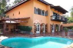 Título do anúncio: REF: 4073. Casa assobradada com piscina. 6 vagas de garagem.