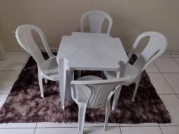 Título do anúncio: Mesa com 4 cadeiras em ótimo estado