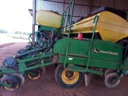 Plantadeira Jd  modelo 2113 com 11x50 cm 2009