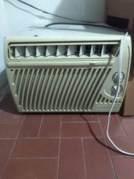 Título do anúncio: Ar condicionado springer carrier todo original