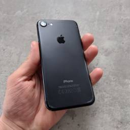 Título do anúncio: iPhone 7 256 GB - 12x no cartão / Nota Fiscal / Garantia / Loja Física.