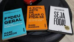 Título do anúncio: Vendo kit de livros