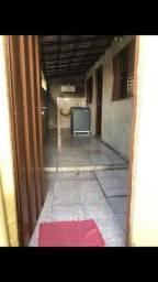 Título do anúncio: Alugo casa  no bairro Cachoeirinha