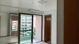 Alugo lindo apartamento3/4, uma Suíte, Lavabo, nascente, armários, Itaigara
