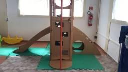 Playground infantil de madeira