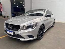 Mercedes bens CLA 200 first edition
