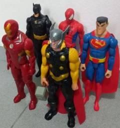 Título do anúncio: Lote bonecos Marvel 30cm cada originais semi novo