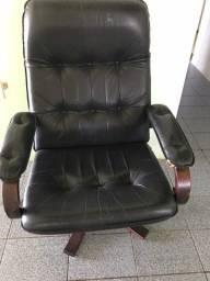 Cadeira em couro