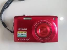 Câmera digital Coolpix S3300 Nikon
