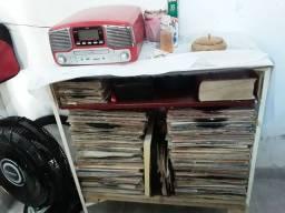 Discos de vinil é toca discos 8em1 novinho por apenas  3.800